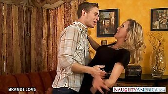 Blonde Beauty Brandi Love licks Sandra