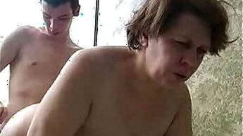 Chubby Mom In Homemade Sex Tape