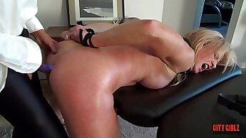 Big ass pornstar squirts on a glass dildo