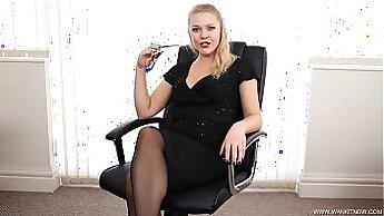 Cumslut This Horny Secretary Gets Her Great Sex