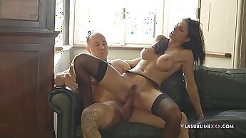 Chick takes a deep anal fuck with her guys